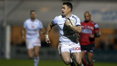 Racing 92 fly-half Dan Carter scores his first try for the club against Oyonnax