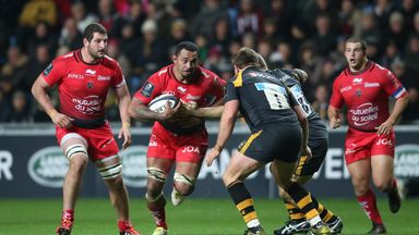 Samu Manoa of Toulon runs with the ball during the European Rugby Champions Cup match against Wasps