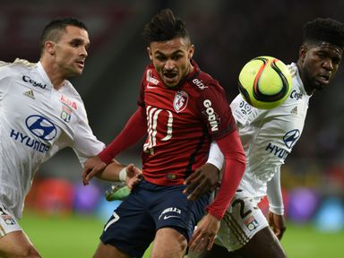 Sofiane Boufal (c) has joined Southampton in a record deal