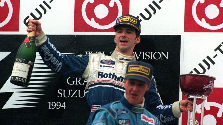 http://e1.365dm.com/16/03/16-9/20/grand-prix-damon-victory-podium-japanese-hill-japan_3429591.jpg