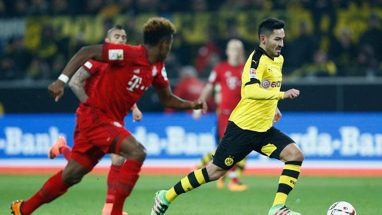 Ilkay Gundogan of Borussia Dortmund makes a run through midfield