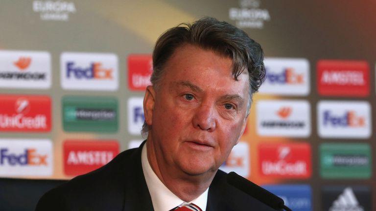 Van Gaal tuyên bố tặng Liverpool 4 bàn