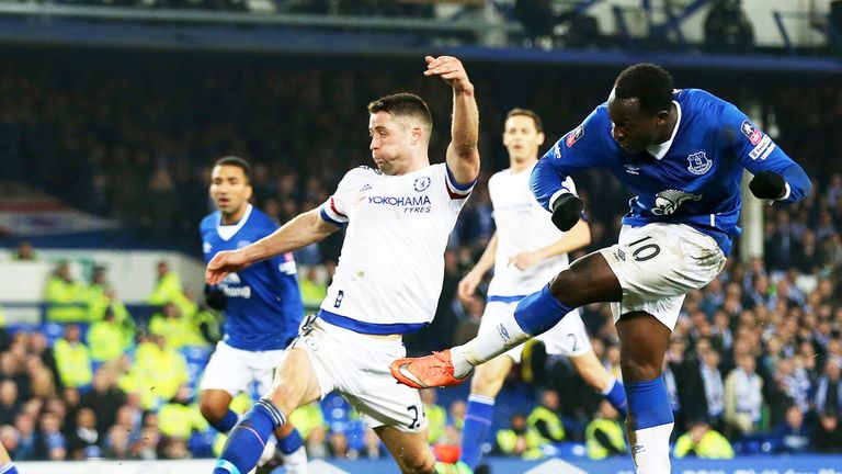 Romelu Lukaku scored twice to send Everton into the FA Cup semi-finals