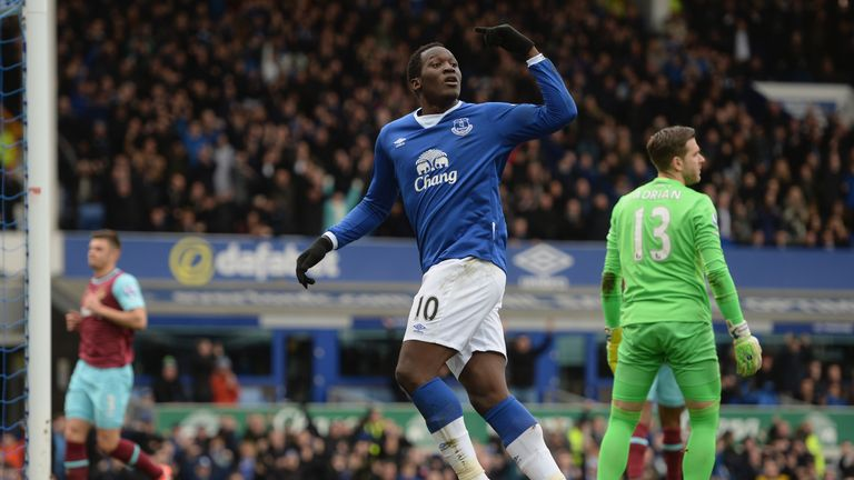 Romelu Lukaku of Everton celebrates scoring his team's first goal