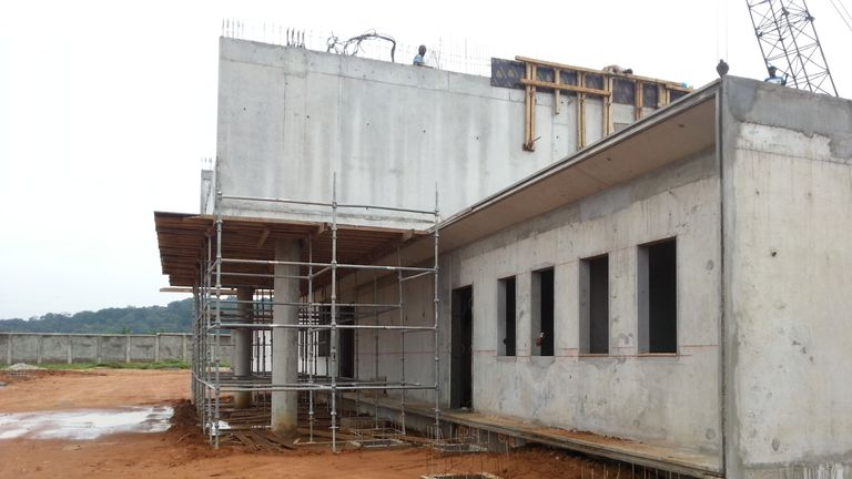 The medical clinic in Abidjan under construction