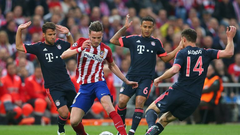 Niguez dances through the Bayern midfield before scoring in the 11th minute