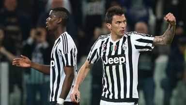 Mario Mandzukic netted for Juventus, who could wrap up the title on Monday.