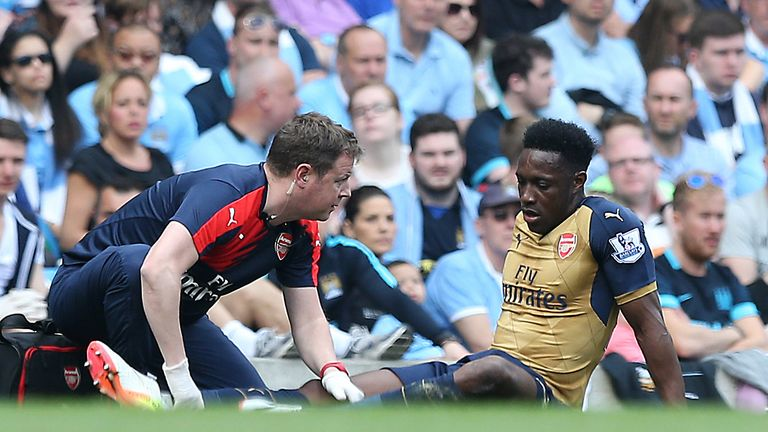 Danny Welbeck injured his knee against Manchester City