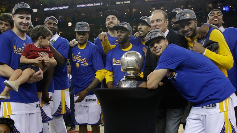 Golden State Warriors take on Cleveland Cavaliers in NBA ...