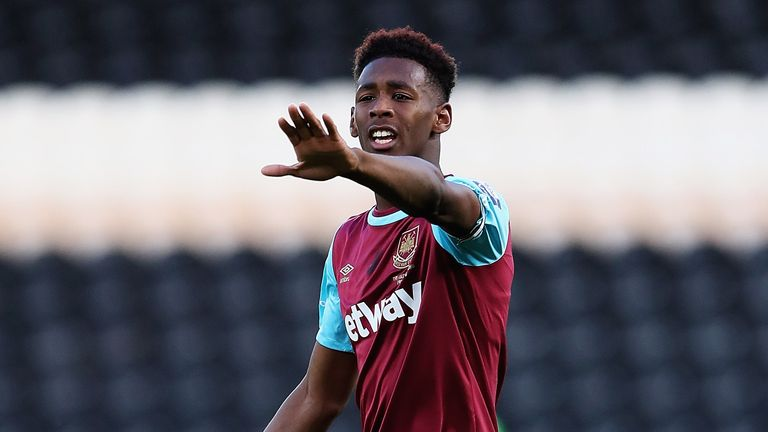 Reece Oxford became West Ham's youngest-ever player in 2015