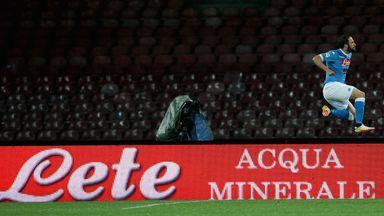 Gonzalo Higuain of Napoli celebrates the opening goal