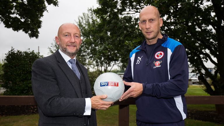Stam was interviewed at Reading FC's training facility by Holloway for Sky Bet