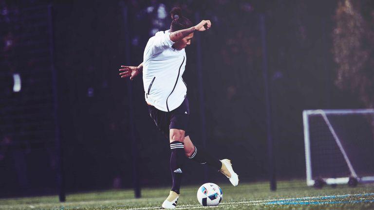 Liverpool-roberto-firmino-adidas_3797323