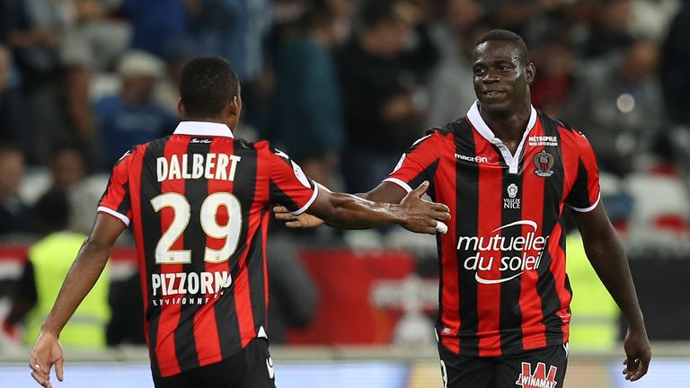Nice's Italian forward Mario Balotelli (right) celebrates