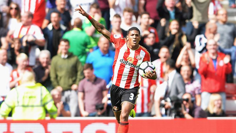 Patrick van Aanholt is available to play against Crystal Palace this weekend, says David Moyes