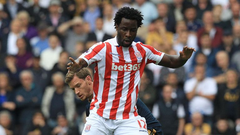 Crystal Palace thrash Stoke to pile pressure on Mark Hughes