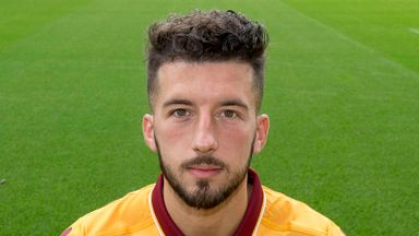 Lee Lucas has joined Motherwell on a short-term deal after impressing on loan at the club