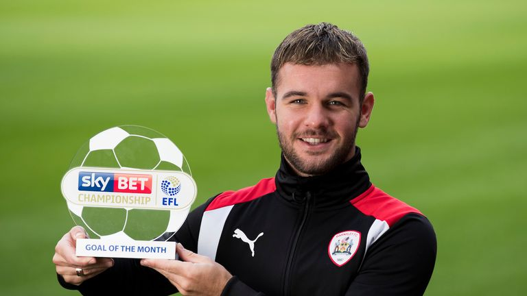 Adam Armstrong: Loan move completed