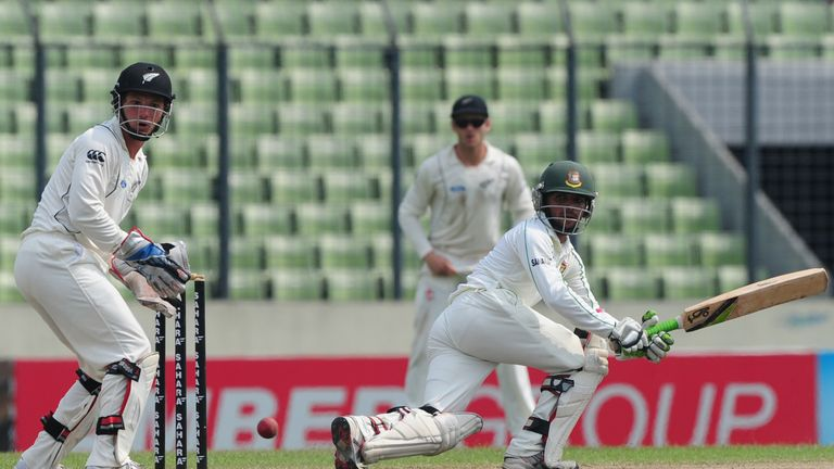 Haque on his way to a maiden Test ton against New Zealand