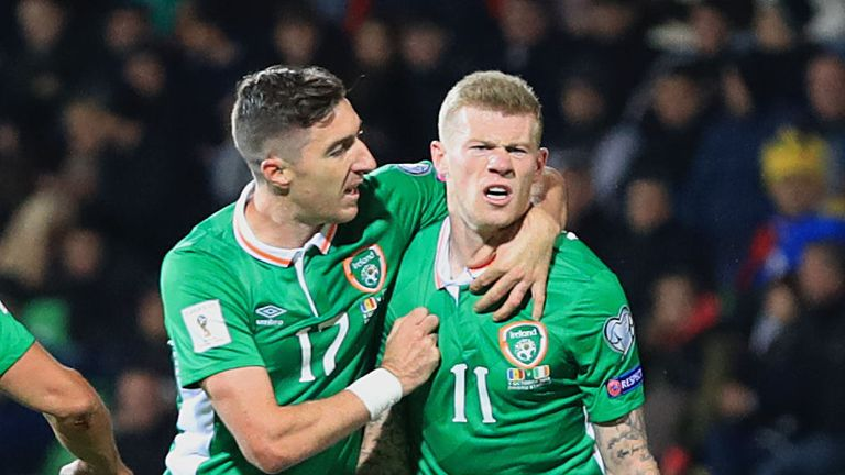 Stephen-ward-james-mcclean-moldova-republic-of-ireland_3805041