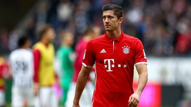 Robert Lewandowski looks dejected after Bayern's draw with Eintracht Frankfurt