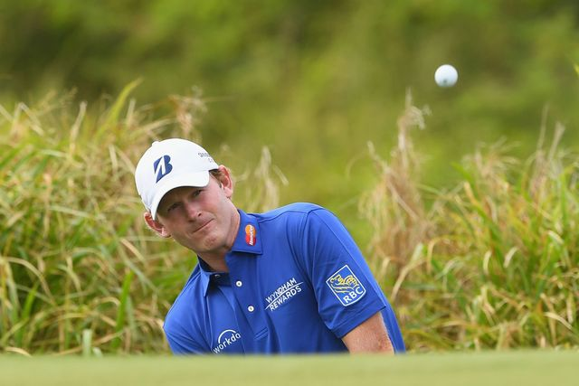 Brandt Snedeker takes lead in windy Fiji International