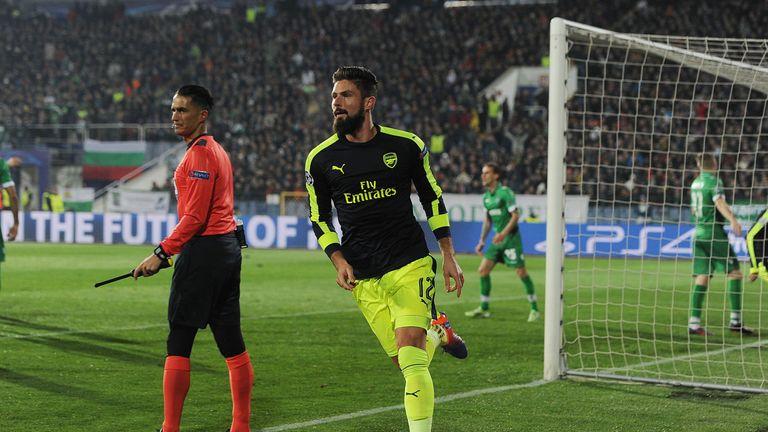 Olivier Giroud celebrates Arsenal's equaliser