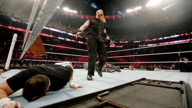 Erick Rowan cleaned house at WWE TLC in 2015