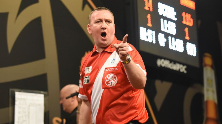 Durrant pushed Gary Anderson and Raymond van Barneveld all the way on his Wolverhampton debut