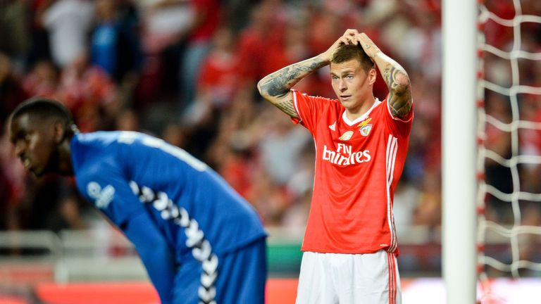 Mourinho makes his move for Benfica star Lindelof