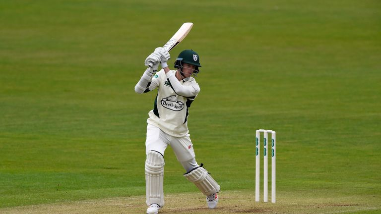 Mitchell Santner will be back with Worcestershire in 2017