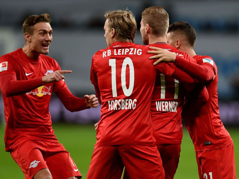 Dortmund defeat Bayern to leave Leipzig at the top