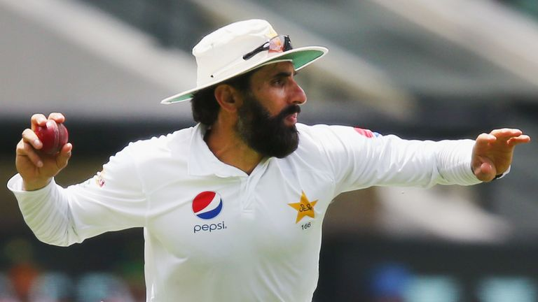 Out of form Misbah-ul-Haq is considering whether to play in Sydney