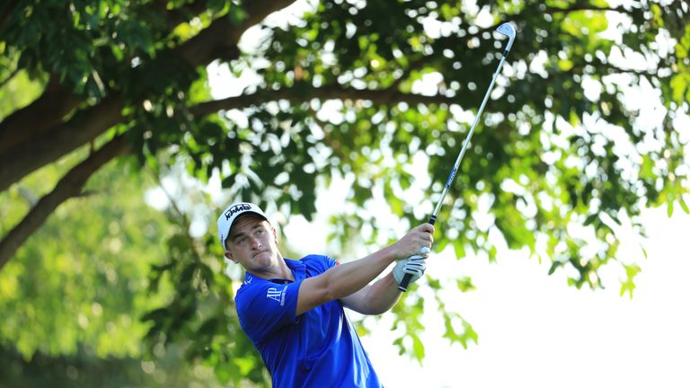 Dunne fired eight birdies to share the lead