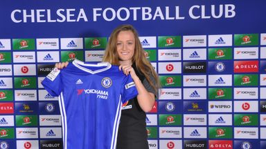 Erin Cuthbert has penned a deal with Chelsea Ladies until 2019