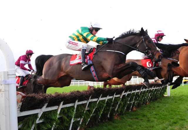 Landofhopeandglory ridden by Barry Geraghty wins the Bar One Racing Juvenile Hurdle