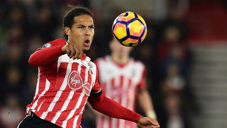 Virgil van Dijk keeps his eye on the ball against Everton at St Mary's