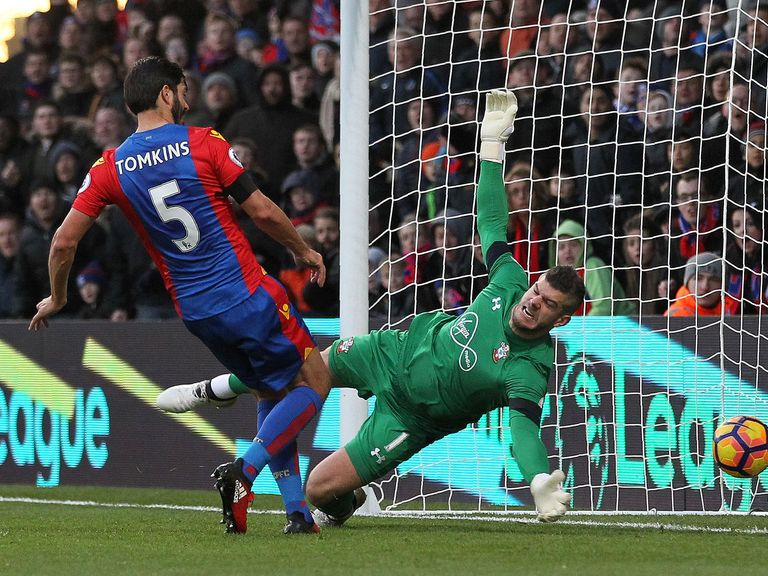 Crystal Palace draw 3-3 at Hull in another EPL thriller