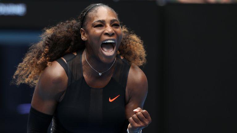 Venus rolls back years to reach Australian Open third round