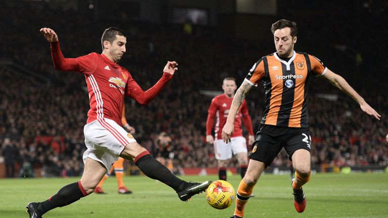 Ryan Mason in action for Silva's Hull against Manchester United