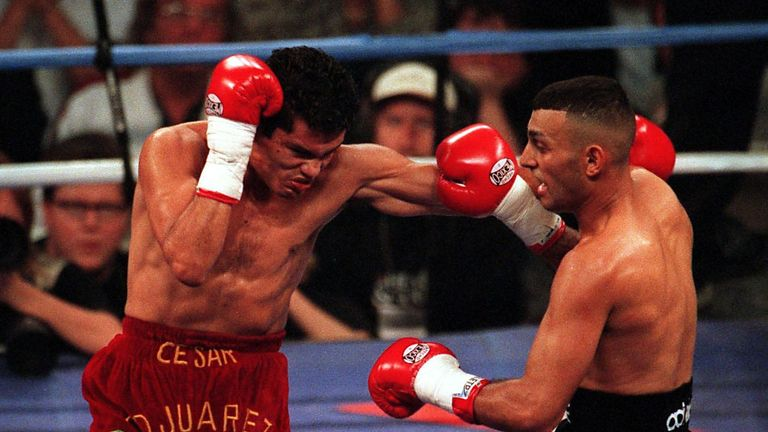 Naseem Hamed shared a bad-tempered battle against Cesar Soto