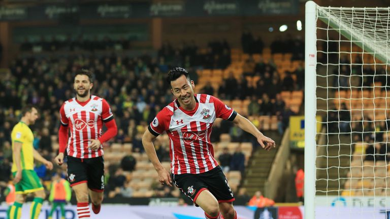 Defenders Maya Yoshida and Virgil van Dijk scored Southampton's goals in their FA Cup third round draw against Norwich