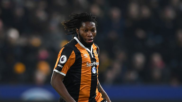 Dieumerci Mbokani could start for Hull