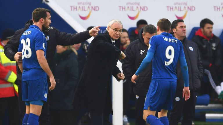 Claudio Ranieri issues instructions to Jamie Vardy at the King Power