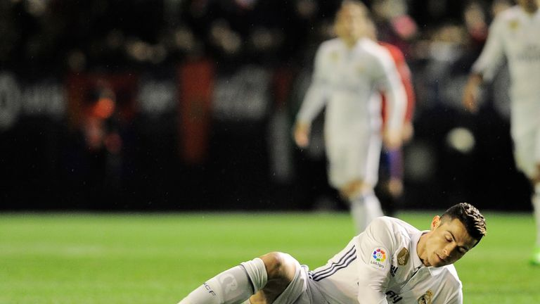 Cristiano Ronaldo reportedly suffered an injury in the 3-1 win over Osasuna