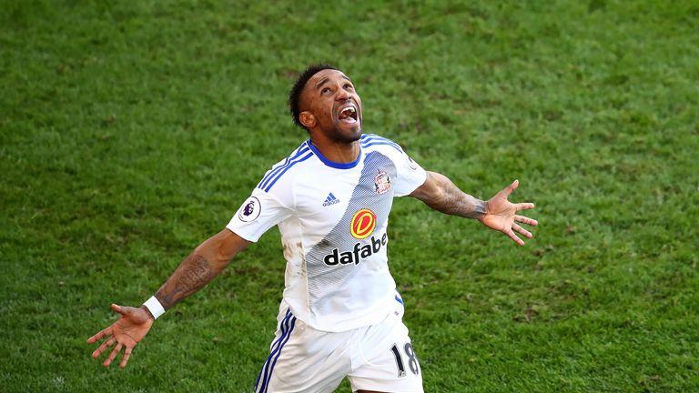 Defoe celebrates scoring Sunderland's third goal at Selhusrt Park