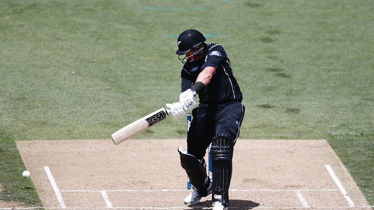 Ross Taylor anchored New Zealand's innings with a superb century