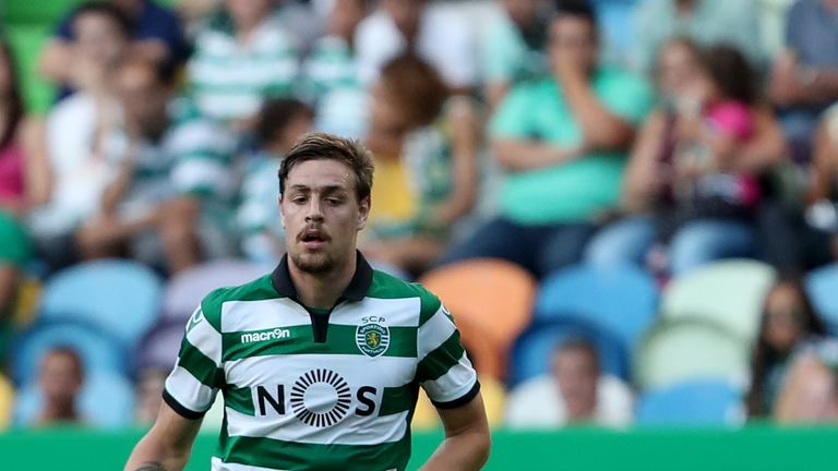 Sporting Lisbon extend Martins, Coates contracts till 2022