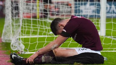 Jamie Walker missed a second-half penalty for Hearts who drew 1-1 with Inverness