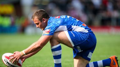 Lee Smith, pictured in action for Wakefield in 2015, has joined Bradford on a two-year deal